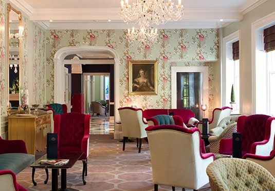 Honey-stone Georgian hotel with eclectic interiors and a central location in Bath - breakfast included
