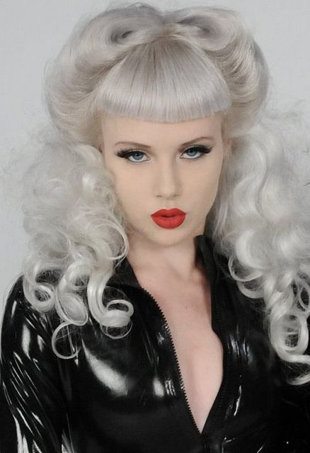 girl: White Hair, Hair Colors, Retro Hair, Silver Hair, Victorious Rolls, Gorgeous Makeup, Pinup, Pin Up Hairstyles, Miss Mosh