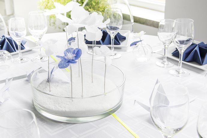 Coupe plate et fleurs en papier origami D Day Deco