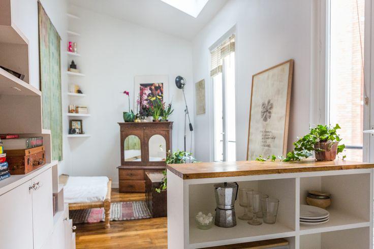 Cuisine ouverte : Voyage contemporain dans un mini duplex - Journal des Femmes