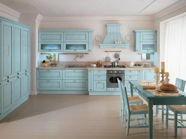 Un progetto concreto per chi ha gusti romantici, la scelta del legno massello, materiale antico, prezioso e robusto, si declina in differenti finiture per accontentare i gusti più esigenti e durare a lungo nel tempo, questa è la #cucina Agnese di #Lube
