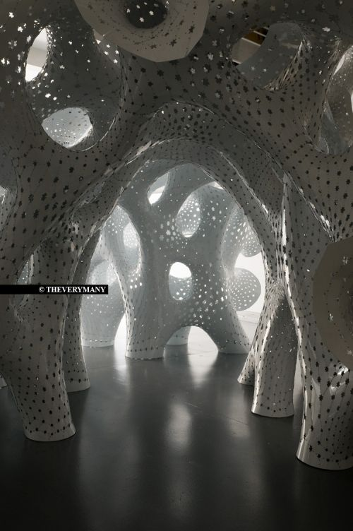 white coral-like sculpture designed by Marc Fornes & Theeveryman for the Frac Centre, Orleans