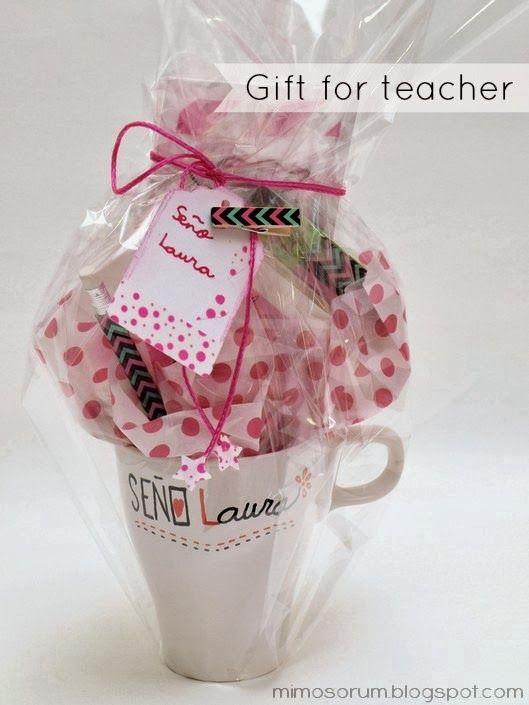 Idea de regalo para un profesora. Tutorial sobre cómo hacerlo y cómo envolverlo. DIY: Gift for Teacher.