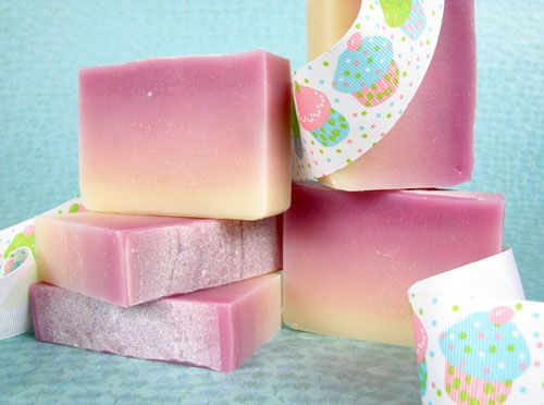 Let it Bleed - a Cold Process Soap Color Gradation Tutorial