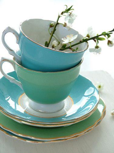 "♫  ""I love flowers filling a tea cup!"" ♫   .. X ღɱɧღ ||"