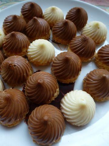 Tourbillons sablés en coque de chocolat