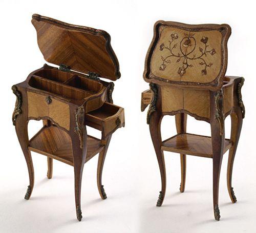David Iriarte - Mesa auxiliar francesa Siglo XVIII