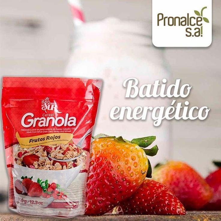 Prepara este delicioso batido energético Ingredientes 200 ml de leche 5-6 fresas ½ banano 2 duraznos sin piel 3 cucharadas de miel 4 cucharadas de #GranolaPronalce Hielo Preparación Lava y limpia muy bien las fresas y luego colócalas en la licuadora. -Pela y agrega el banano, con los duraznos y  la leche y procesa. -Endulza con miel e incluye la granola en la preparación junto a unos cubitos de hielo.  #Pronalce #Avena #Wheat #Trigo #Cereal #Granola #Fit #Oats #ComidaSaludable #Yummy…
