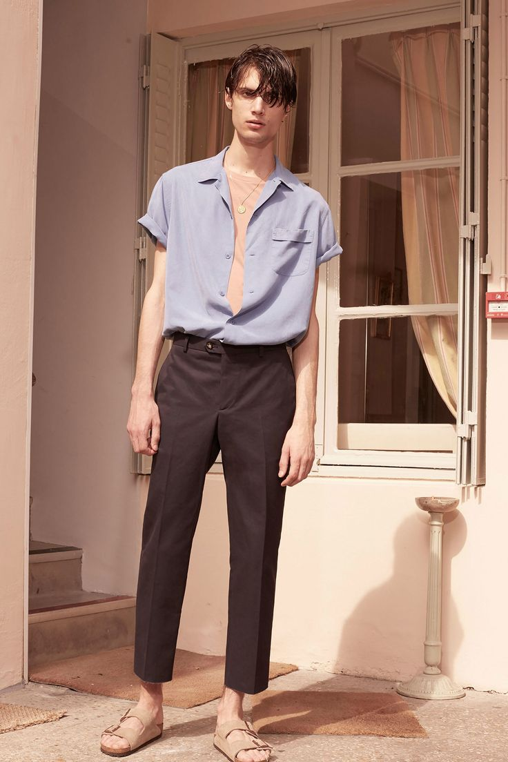 See the complete Éditions MR Spring 2018 Menswear collection.