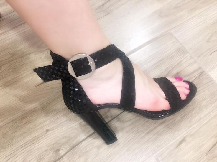 #musthave #women #fashion #black #shoes #sandals #fashionista #trendsetter #fashionblogger #summer #trends #shoesaddict
