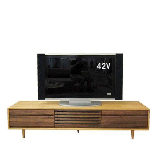 本体を清楚な木肌のタモ材、前面を落ち着きと気品溢れるブラックウォールナット材(中央収納部は格子)をふんだん使用。2種類の木材を組み合わせた、スリムで多機能な高品質TVボードです。クラフトマンシップに支えられた確かな木組みの技術によって、所有する喜びを感じて頂けるAVボード。本体高さ2タイプ(Low・Hi)4サイズ(125・150・180・200cm)本体2カラー(ライト色・ダーク色)揃った充実のバリエーション!毎日使う大画面テレビやオーディオ機器と共に、リビングの「顔」として末永くお使いいただきたい、高品質な無垢家具テレビラックシリーズ。外寸:幅1800×奥行400×高さ400mm【※レビューを書いて、専用お手入れセットGET♪ついて】・ご注文時にレビューを書くをご選択いただき、商品到着後にレビュー投稿をしていただきました方にもれなく、メンテナンスオイルとお手入れ道具がセットになった専用キット(1,500円相当)をプレゼント!※後日宅急便でのお届けとなります。