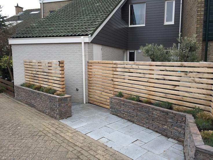 Curbside oak fence