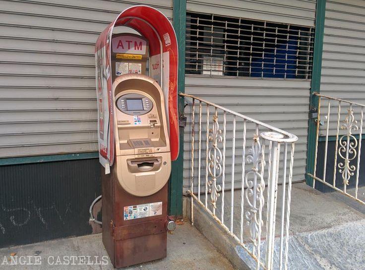 Consejos para gestionar el dinero para tu viaje a Nueva York: tarjetas de débito y crédito, cambio a dólares y uso de los cajeros automáticos.