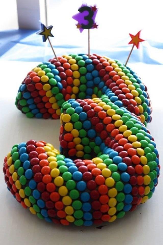 Cool smartie cake idea!