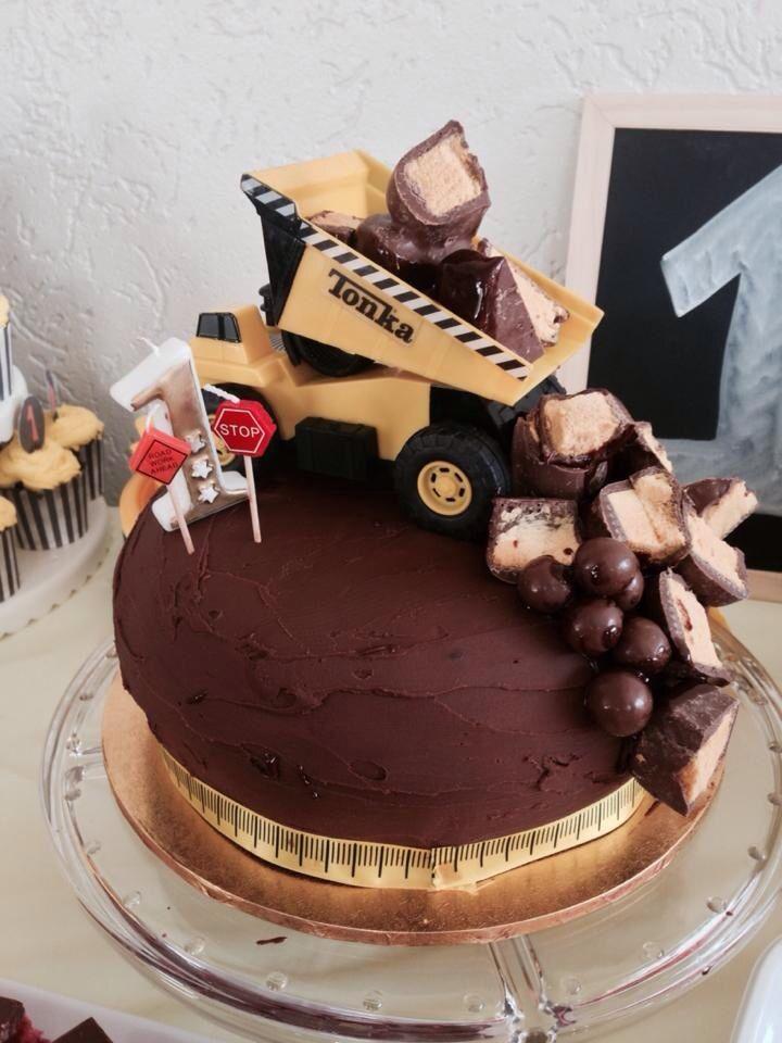 Leo's 1st Birthday - Construction Theme - The Cake!
