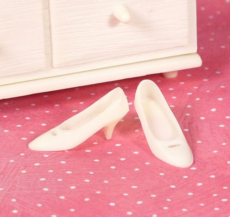 Mod Francie White Cut Out Heels Check This + 3 Wedding Outfits NO SPLITS Exclnt #Mattel #ClothingShoes