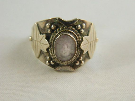Vintage Amethyst Ring / Sterling Silver and Amethyst Silver Leaf Art Nouveau Ring Size 9 by VintageBaublesnBits, $45.00