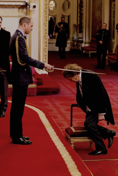 Sir Ken Dodd, the British comedian, receives Knighthood from Prince William | 2 March 2017