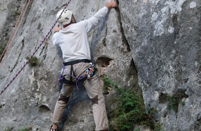 Umbria is waiting for you with a lot of opportunities like climbing on artificial or natural sides with a qualified instructor and with all technical material for an experience in safety. Inside the Nera River Park, near Ferentillo and the Marmore Falls, close to Terni, there are cliffs known to every climbers in Europe. #dreavel #climbing #arrampicata #freeclimbing #ferentillo #discoverferentillo #discoverumbria #tourism #toursinumbria #umbria #hiddentreasures #igersitalia