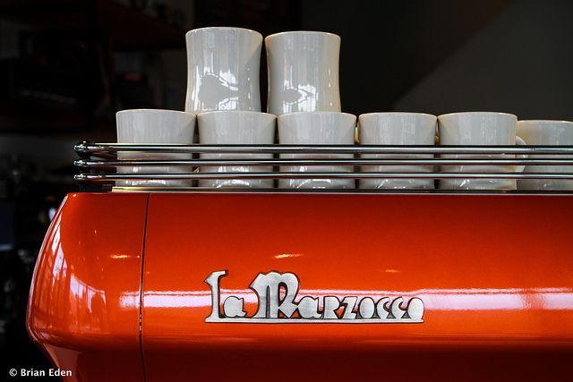 Making Cold Brew De Cafe Cofee