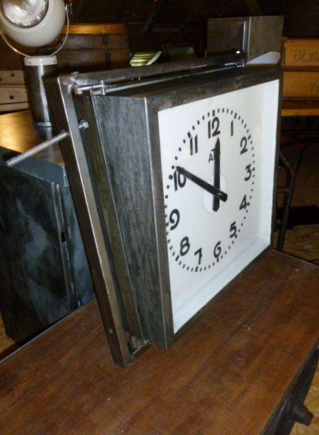 17 meilleures images propos de luminaire industriel vintage sur pinterest - Pendule de gare double face ...