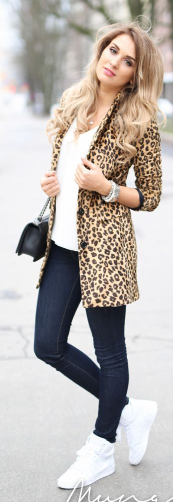 Dont like the sneeks but love the outfitBlack, White And Leopard Outfit Idea by Mungolife
