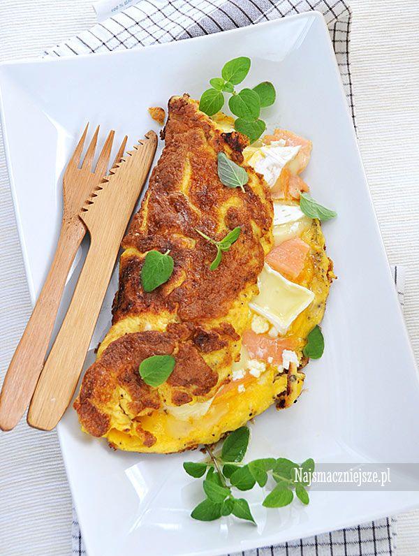 Omlet z łososiem i camembertem, omlet z łososiem, łosoś, salmon, camembert, http://najsmaczniejsze.pl #food #salmon #łosoś #omlet