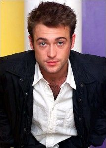 Paul Nicholls Hairstyle, Makeup, Suits, Shoes and Perfume - http://www.celebhairdo.com/paul-nicholls-hairstyle-makeup-suits-shoes-and-perfume/