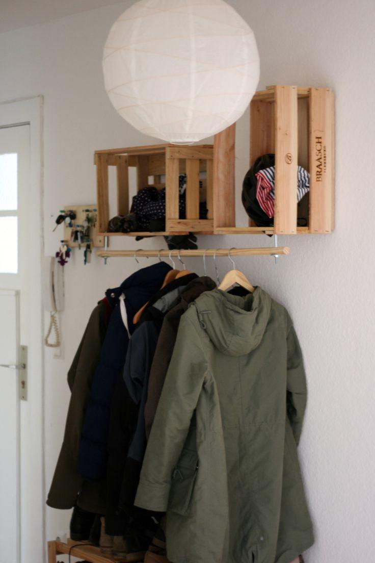 Le voilà – unsere neue Garderobe, die wir kurzerhand gebastelt haben, nachdem wir einige Monate einfach nichts für unseren Flur finden konnten, das anschaulich und bezahlbar war: