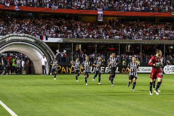 jogo de ida das quartas de final da Copa Bridgestone Libertadores da América