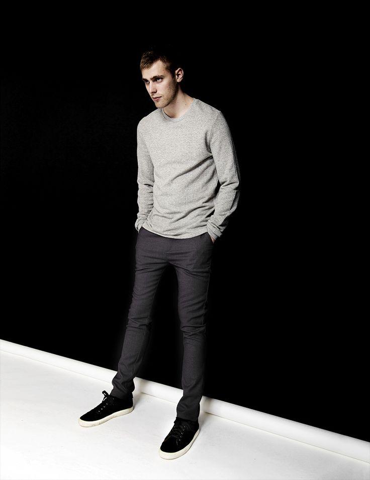 RVLT - men's fashion. Cotton/poly sweat crew with longer back hem.