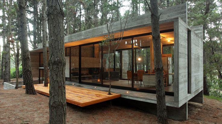 Besonias Almeida Architects | House Cher