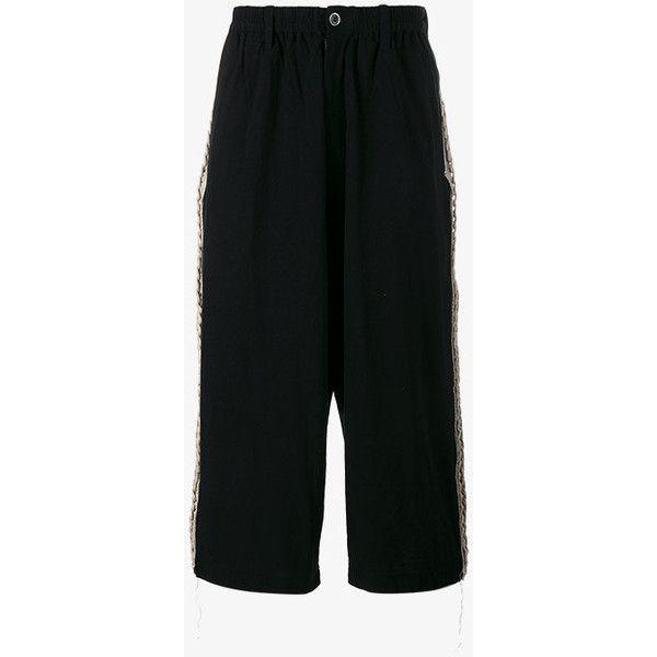 Yohji Yamamoto knitted cropped wide-leg trousers (25.635 RUB) ❤ liked on Polyvore featuring men's fashion, men's clothing, men's pants, men's casual pants, black, mens elastic waistband pants, yohji yamamoto mens pants, mens stretch waist pants, mens elastic waist pants and mens wide leg pants