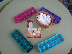El juego de los huevos Esta semana en el rincón de los números, después de repasar el número 1 con rotulador vileda en las pizarritas, h...