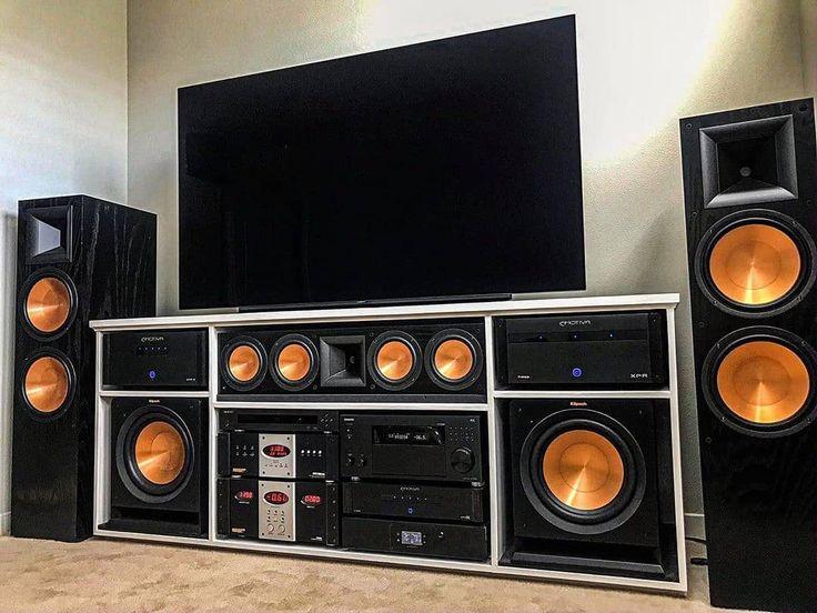 Good look, great sound. Follow us speakerbyte