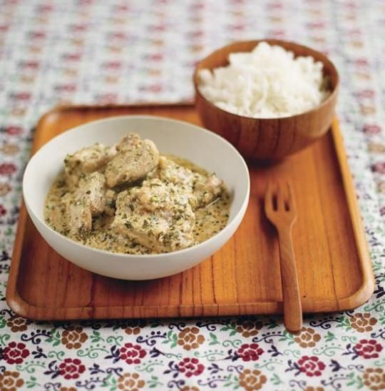 Gizzi Erskine's Afghan Yoghurt Chicken Ivy's dinner Curry recipe! The spinat was just Onion, Spinat, Dill, Corriander cooked together with a dash of lemon.
