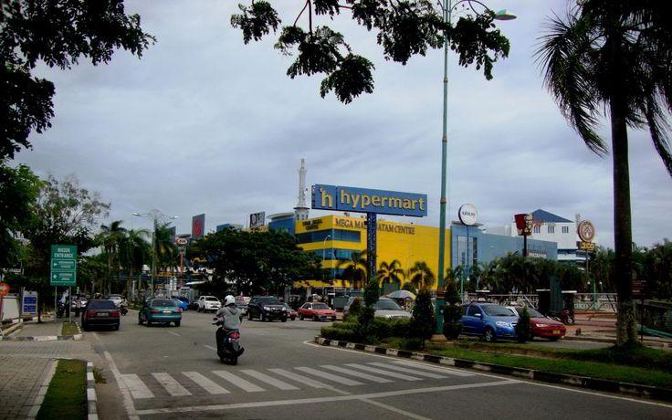 #Batam No Power Lines in sight!! Around Mega Mall, Batam Centre