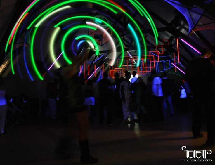 Led light show - light juggling - hulahoop - party