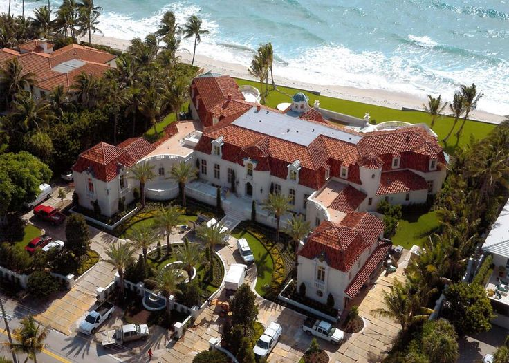 137 best mansion collection images on pinterest mansions for Palm beach home collection