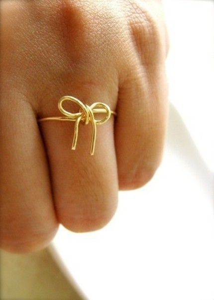 dainty bow ring: Cute Rings, The Knot, Bows Ties, Knot Rings, Bridesmaid Gifts, Bows Rings, Gold Rings, White Gold, Engagement Rings