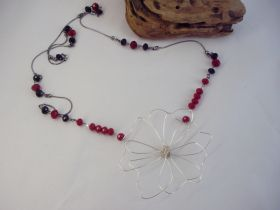 Νecklace with crocheted flower and beads