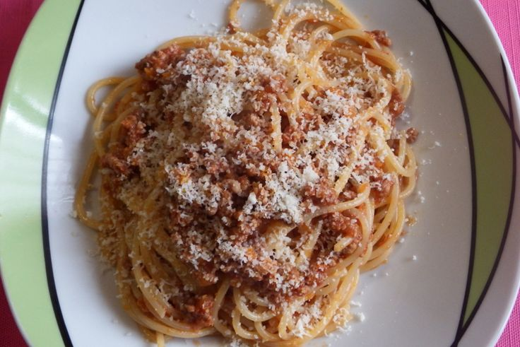 #spaghetti #ragù #ragout #food #ricette #recipe #italianrecipe #italianspaghetti #pranzo #lunch #dinner #foodporn #foodpics #instafood #instagood #eat #eating #cook #cooking #yum #yummy #delicious #tagsforlikes #hungry #homemade #pasta #tomato #tagstagramers