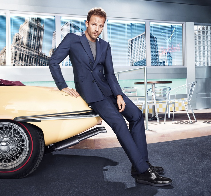 HOGAN Men's Spring - Summer 2013 campaign featuring Stephen Dorff: sophisticated, urban and dynamic collection.