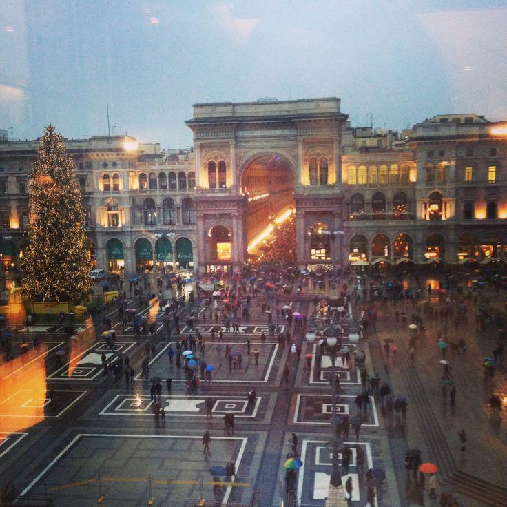 Milano, piazza Duomo dal museo del 900