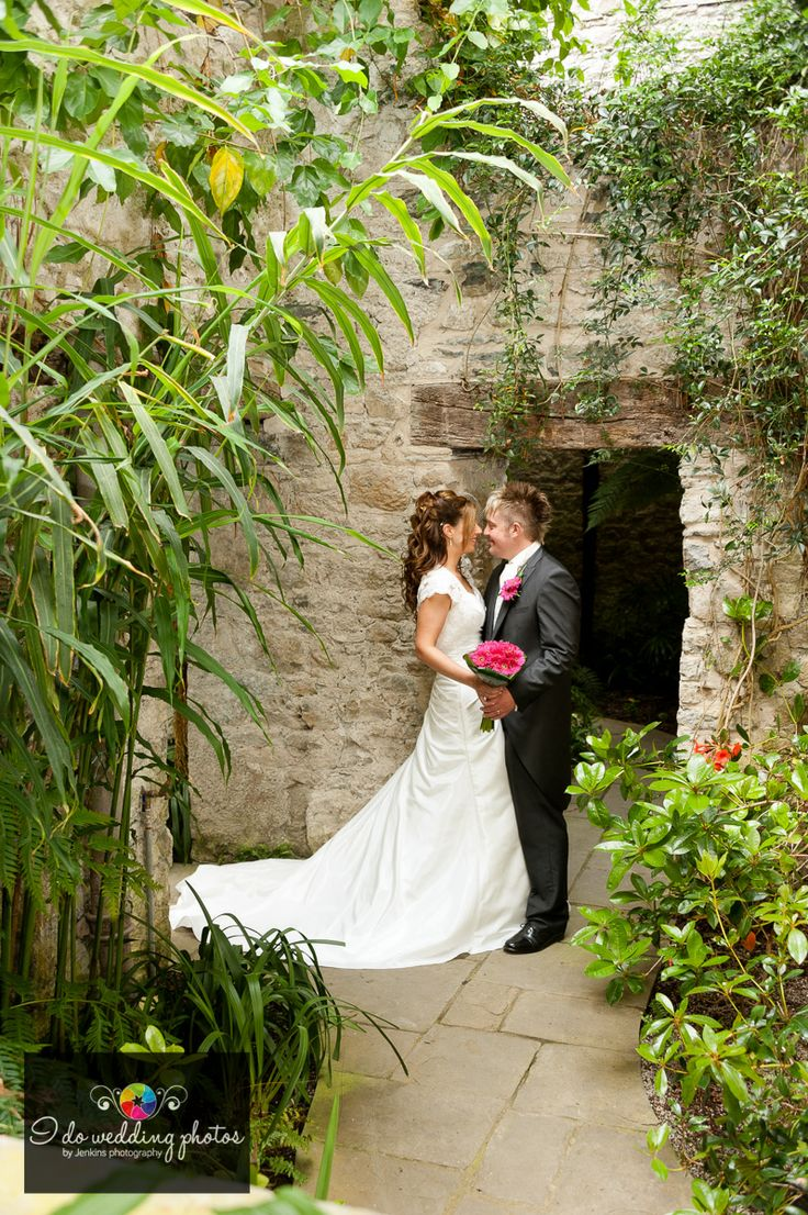Wedding at Aberglasney House and Gardens