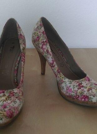 Kaufe meinen Artikel bei #Kleiderkreisel http://www.kleiderkreisel.de/damenschuhe/hohe-schuhe/128888142-tamaris-pumps-blumchen-rot-blumen-neu-grosse-38