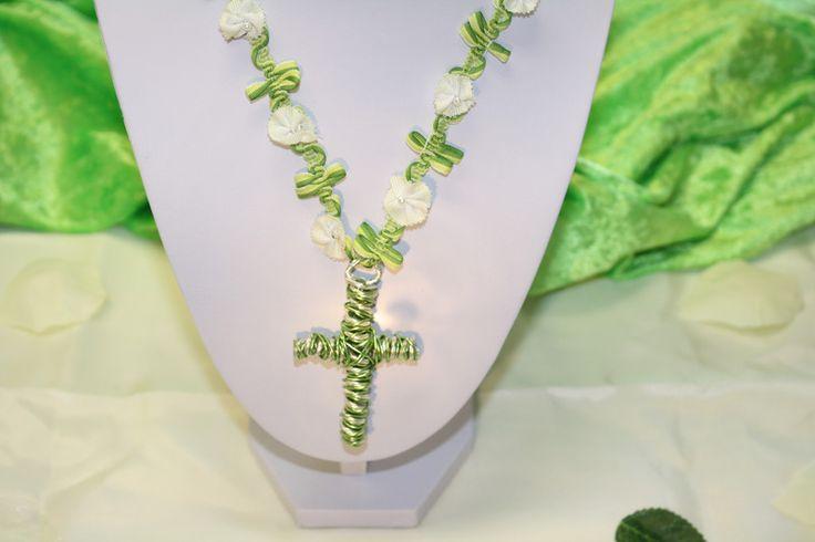 Kreuzanhänger - Kreuz Anhänger silber grün weiß Kette Schmuck  - ein Designerstück von trixies-zauberhafte-Welten bei DaWanda