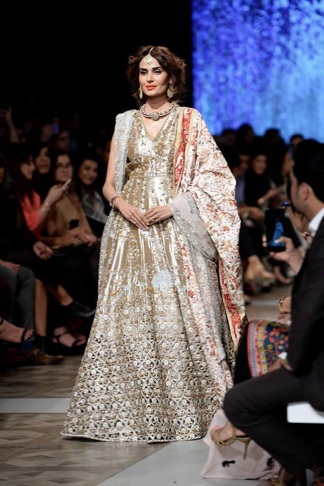Sania Maskatiya Bridal Collection At Loreal Paris Bridal Week 2017