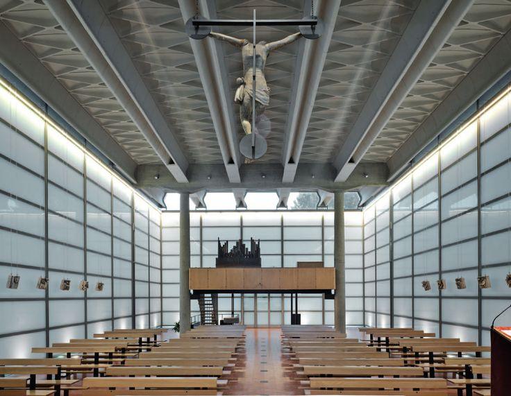 IT, Baranzate, Glass church (la chiesa di Nostra Signora della Misericordia). Architects Angelo Mangiarotti and Bruno Morassutti, 1958.