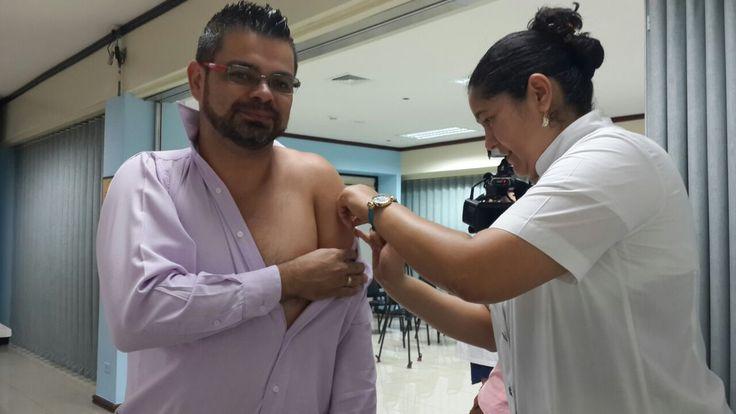 Médicos también se vacunan contra influenza estacional